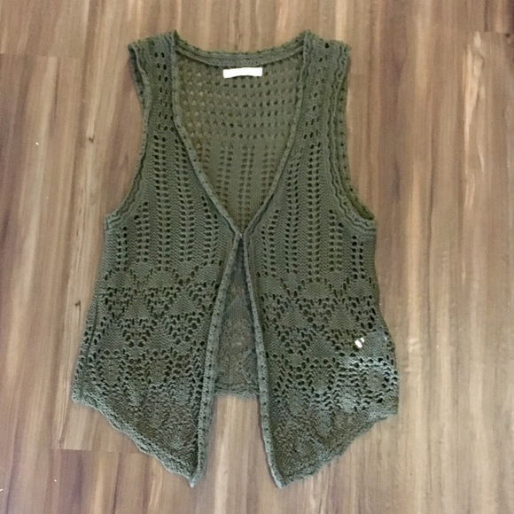 Old Navy Jackets & Blazers - NWOT- beautiful olive green crocheted vest